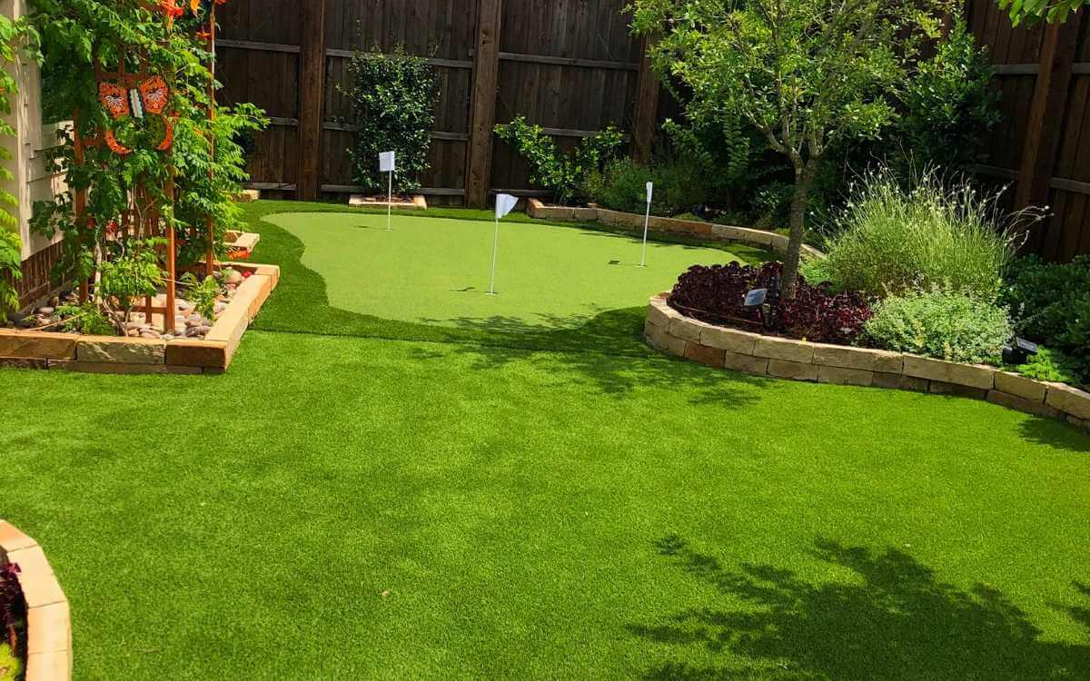 Artificial Grass Lawn & Putting Green Fort Worth TX