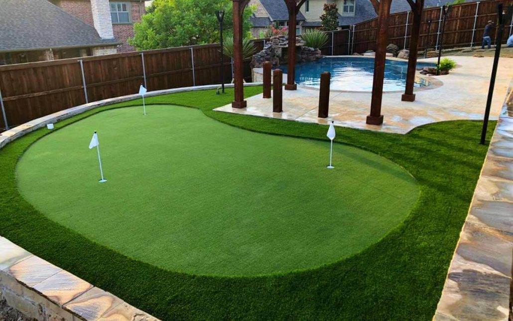 Backyard Putting Greens Artificial Golf Turf // IDEAL TURF