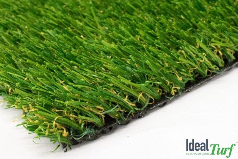 Jordan 76 HD closeup of heavy duty artificial grass for dogs