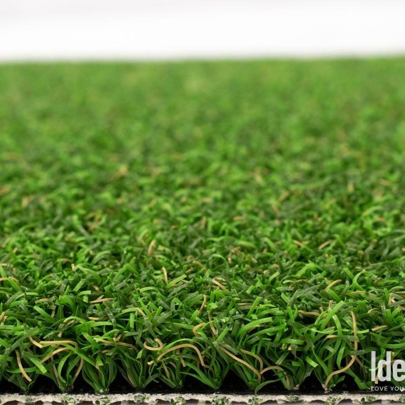Putter's Choice closeup of golf green artificial turf