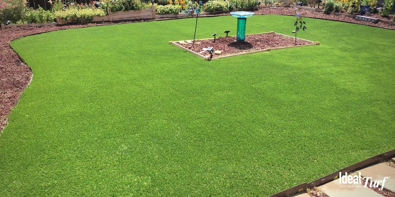 Bright artificial grass installation that doesn't fade over time