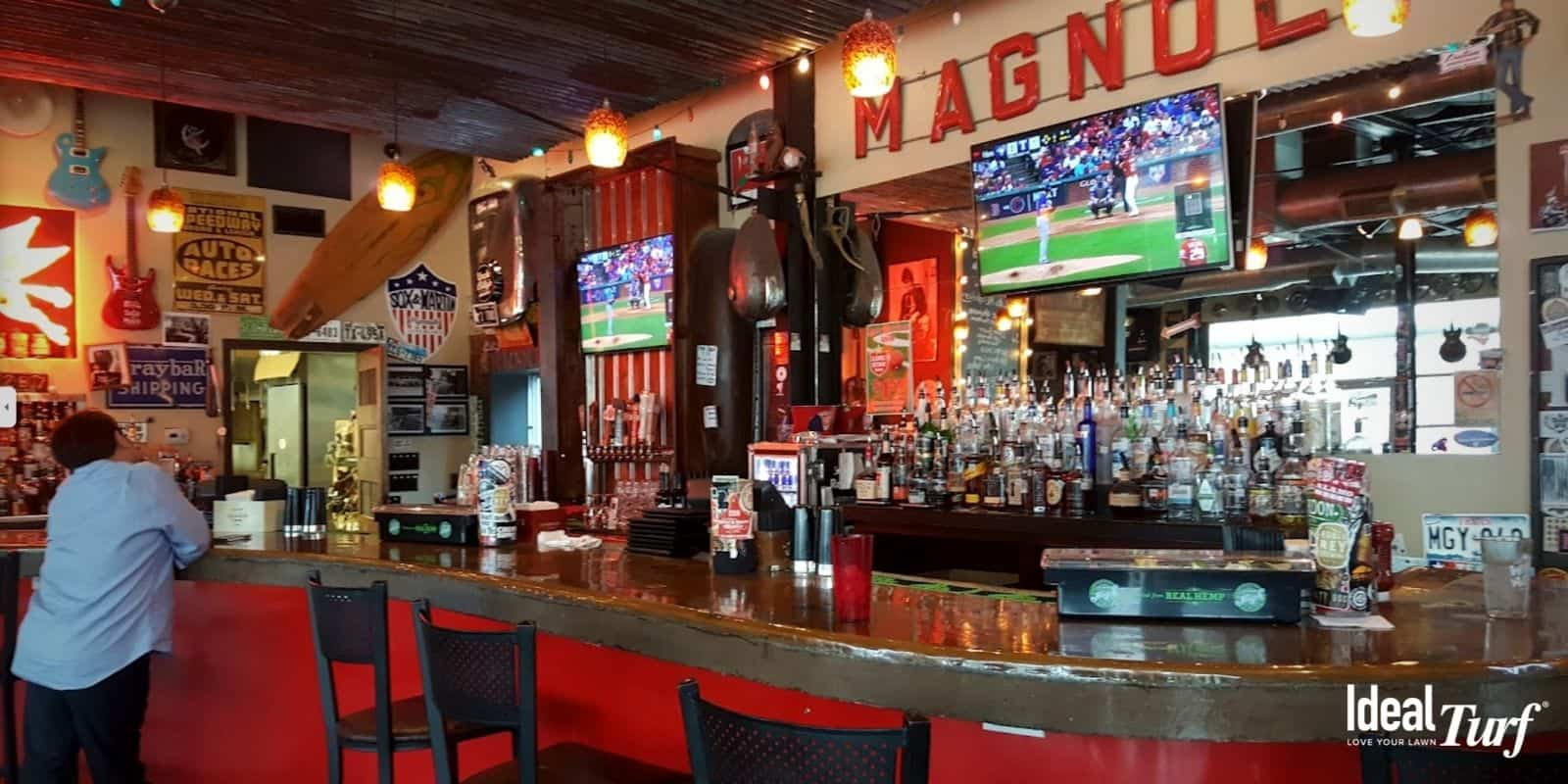 Picture of the bar at Magnolia Motor Lounge in Fort Worth